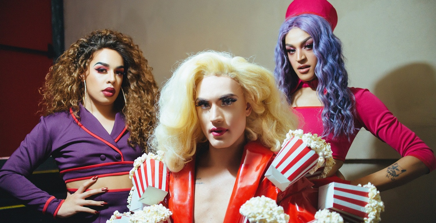 Aretuza Lovi; Pabllo Vittar e Gloria Groove são as estrelas do clipe de 'Joga a Bunda'; vem ver!
