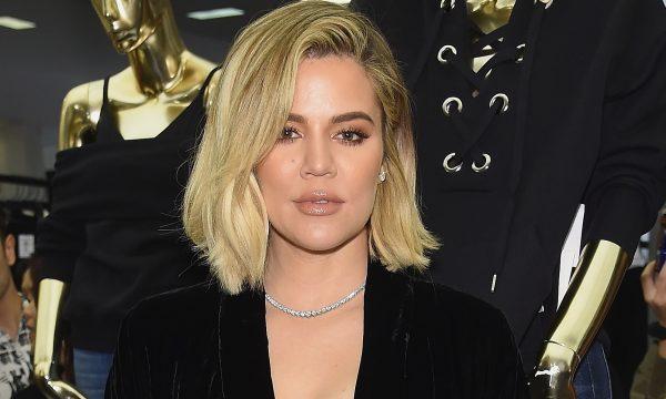 """Khloé Kardashian rebate seguidores que criticaram excesso de photoshop em suas fotos: """"Vocês estão se superando"""""""""""