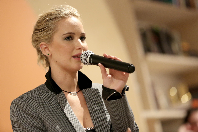 Jennifer Lawrence rompe o silêncio e fala pela primeira ...