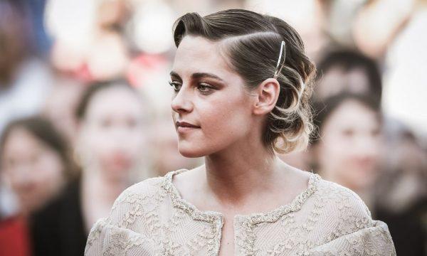 Kristen Stewart fala sobre reboot de 'As Panteras': 'Mostra como as mulheres podem trabalhar juntas agora'