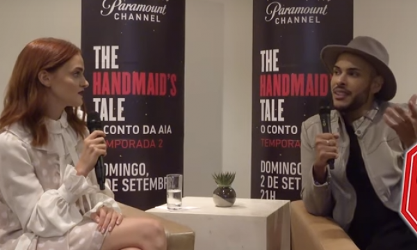 """Madeline Brewer, a Janine de 'The Handmaid's Tale', entrega apelidos e clima dos bastidores: """"Caneirinhos"""""""