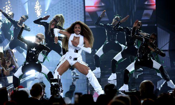 AMA 2018: Ciara DESTROI na coreo em performance de 'Level Up' com Missy Elliott; vem assistir!