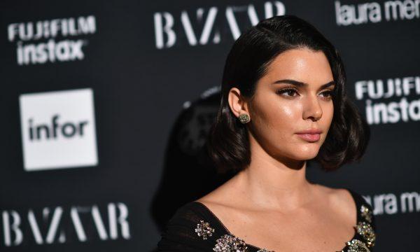 Após foto de Kendall Jenner com cabelo afro, revista Vogue é acusada de apropriação cultural