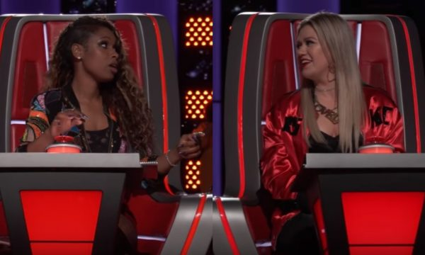 Jennifer Hudson e Stevie Wonder fazem homenagem a Aretha Franklin em ... 937ce327080