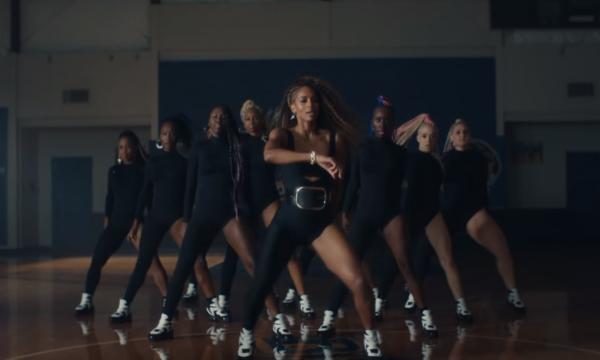 Ciara lança clipe cheio de coreô para a viciante 'Dose'; assista