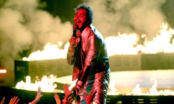 AMA 2018: Post Malone chama o Ty Dolla $ign para cantar medley de hits e faz o palco pegar fogo