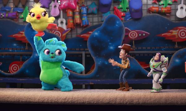 Toy Story 4 apresenta dois novos e hilários personagens em vídeo inédito!  Vem assistir! e8bf85e2bc0