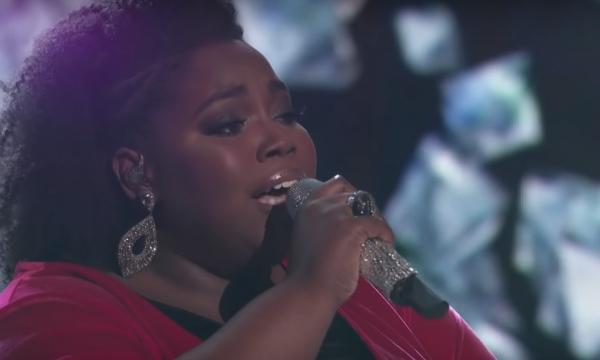 Líder de louvor faz performance arrebatadora de 'Diamonds', da Rihanna no 'The Voice'; vem ver!