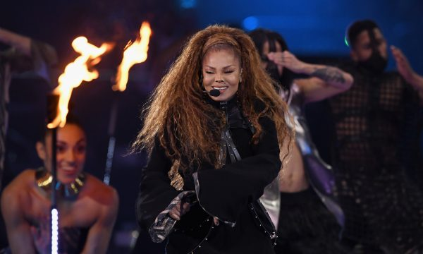 "'MTV EMA 2018': Ícone Global, Janet Jackson faz performance LINDA do seu novo single ""Made For Now"""