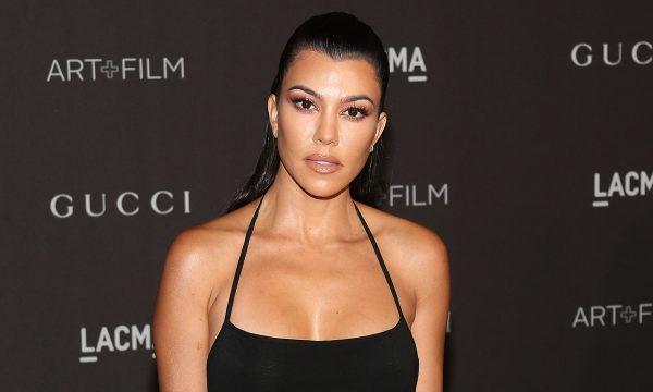 """Kourtney Kardashian dá resposta certeira a comediante que ironizou seu """"talento"""" em foto no Instagram"""