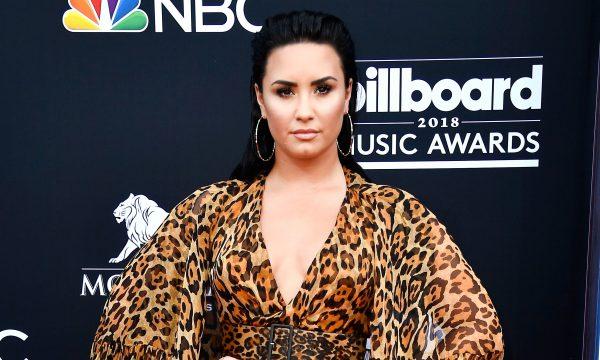 Demi Lovato retorna às redes sociais para relatar reencontro com morador de rua; confira!