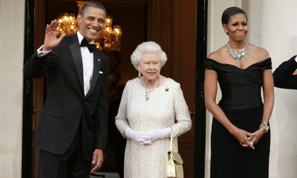 Michelle Obama surpreende ao revelar reação de rainha Elizabeth sobre o protocolo real