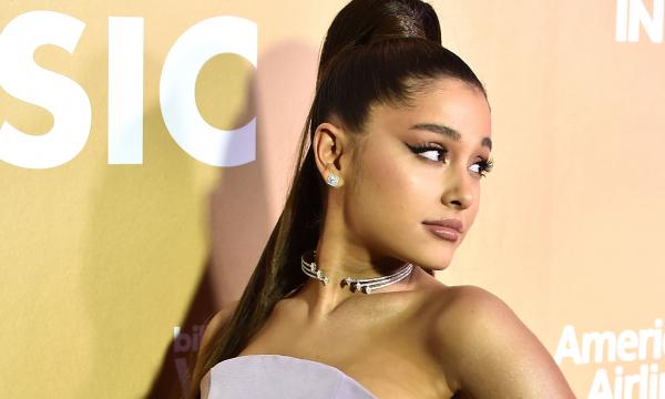 Decoração natalina de Ariana Grande chama atenção por detalhe incomum e explicação da cantora surpreende; veja