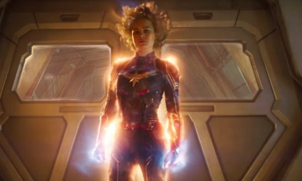 Brie Larson aparece toda poderosa no novo e incrível trailer de 'Capitã Marvel'; assista