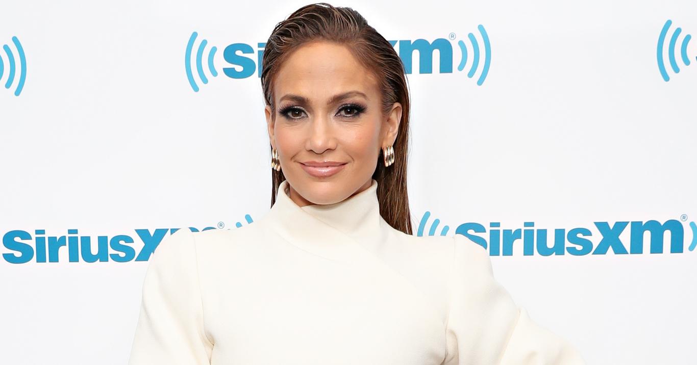 Jennifer Lopez é Processada Por Publicar Foto De Si Mesma