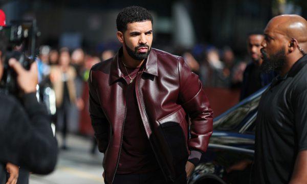 Drake recusa proposta milionária para se apresentar no Rock in Rio, diz colunista. Saiba o motivo!
