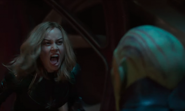 Cenas inéditas! Capitã Marvel dá susto em alienígena e toca o terror em nova prévia do longa!