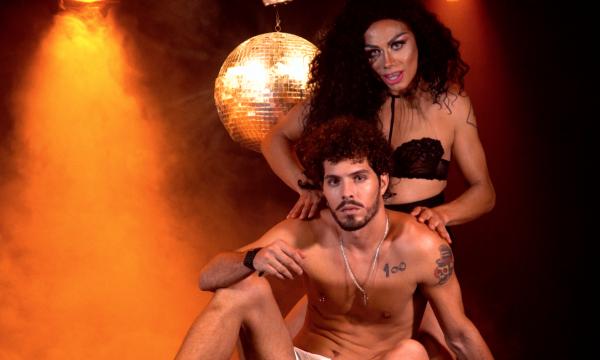"""Diva sensual! Silvero Pereira encarna alter ego poderosa em clipe de """"Vem""""; assista ao vídeo!"""