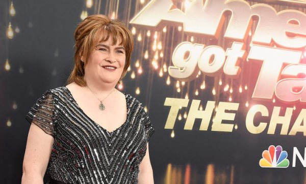 """EXCLUSIVO: Susan Boyle fala tudo sobre retorno ao """"Got Talent""""; relação com Simon Cowell e projetos para o futuro"""