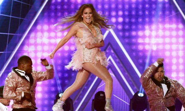 """Grammy 2019: Jennifer Lopez rebate críticas à sua performance em homenagem à Motown: """"Foi para minha mãe"""""""
