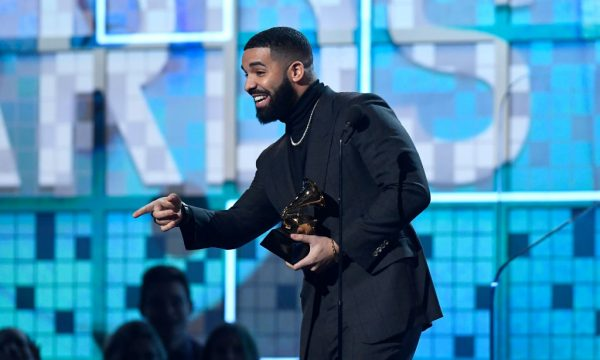"""Grammy 2019: Drake tem discurso cortado na premiação e produtor se justifica: """"Pausa natural"""""""