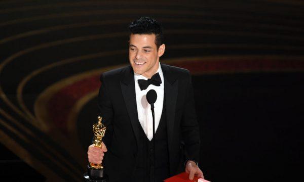 """Rami Malek é criticado em redes sociais por referir-se a Freddie Mercury como """"homem gay"""" em discurso no Oscar; entenda"""