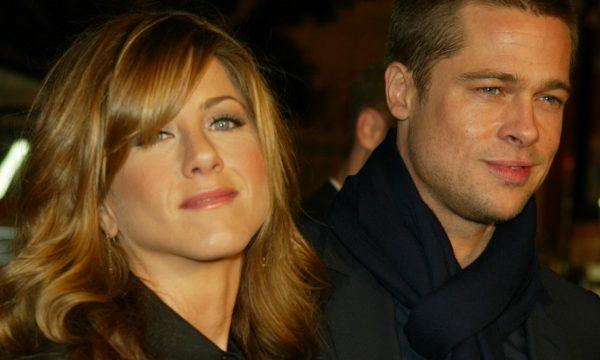 Remember?! Brad Pitt é flagrado em festa de aniversário de 50 anos da ex, Jennifer Aniston; veja quem também foi