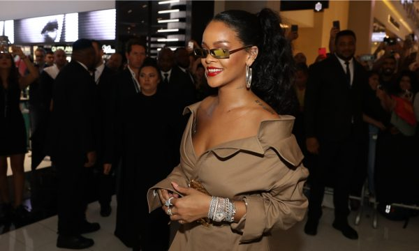 Qual roupa da Rihanna você é? Brincadeira com looks da cantora viraliza nas redes sociais; confira!