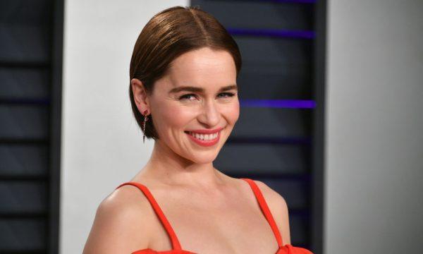 Chorou! Emilia Clarke comenta sobre última cena dela em 'Game of Thrones', e HBO revela duração dos episódios da oitava temporada; confira!