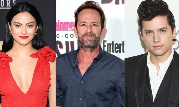 """Camila Mendes e Cole Sprouse lamentam morte de Luke Perry, colega de """"Riverdale"""", com mensagens emocionantes"""