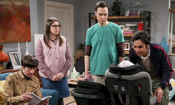 """The Big Bang Theory"" bate recorde como sitcom mais longo da TV e elenco comemora; confira!"