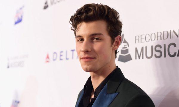 Shawn Mendes analisa relação com maconha e comenta especulações sobre sua sexualidade: 'Doloroso'
