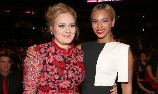 Adele divulga troca de mensagens com amigo e mostra ansiedade pelo novo documentário de Beyoncé; confira!