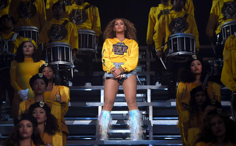 """Após """"Homecoming"""", Beyoncé estaria planejando turnê mundial """"épica"""" para o próximo ano, diz jornal>"""