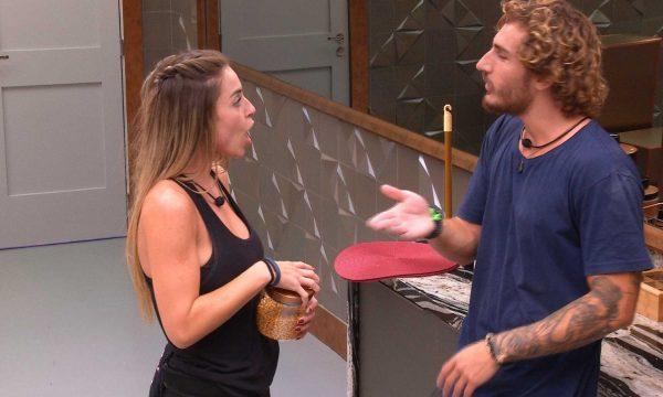 """BBB 19: Indicada ao paredão, Paula detona Alan: """"Maquiavélico e traiçoeiro!'"""