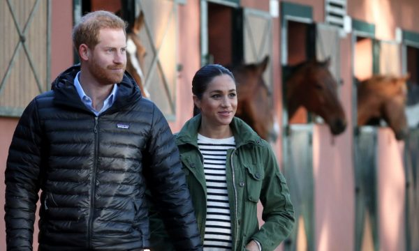 Após comentário misterioso de príncipe Harry, suspeitas de que Meghan Markle estaria esperando gêmeos aumentam, revela jornal