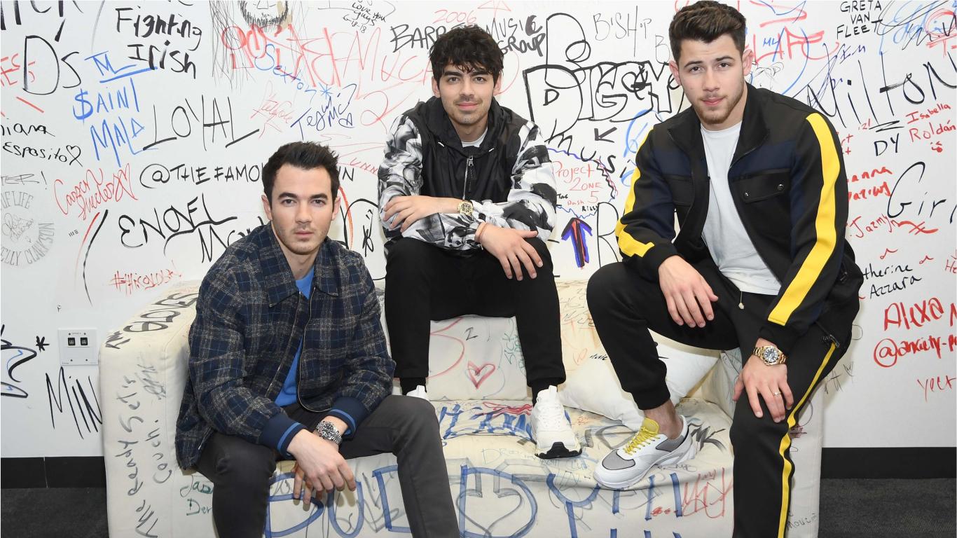 Jonas Brothers relembram comportamento 'pouco saudável' que fez o grupo se separar em 2013 e revelam o que motivou o retorno>