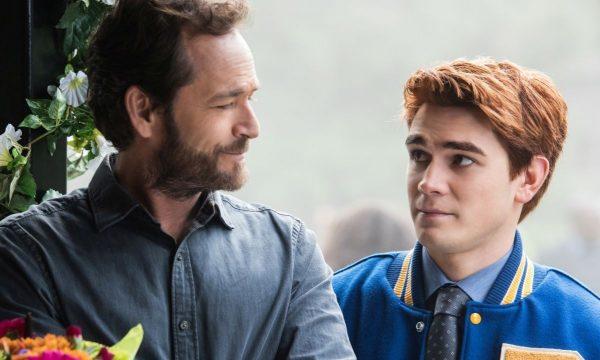 """""""Riverdale"""": Última cena gravada por Luke Perry é exibida na série; saiba como foi!"""