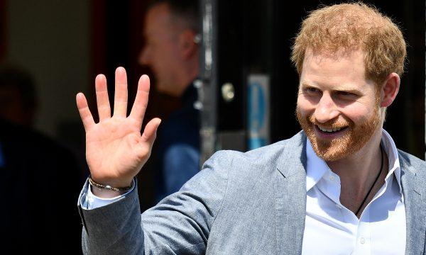 Tablóides dizem que príncipe Harry fez 'exigência de diva' em hotel, e amigo esclarece o que foi pedido: 'Mal interpretado'