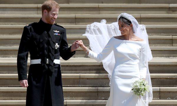 Príncipe Harry e Meghan Markle comemoram primeiro aniversário de casamento com fotos inéditas e dos bastidores do grande dia; vem ver!