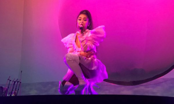 """BBMA 2019: Com o sucesso """"7 Rings"""", Ariana Grande leva gostinho de sua turnê para a premiação; confira!"""