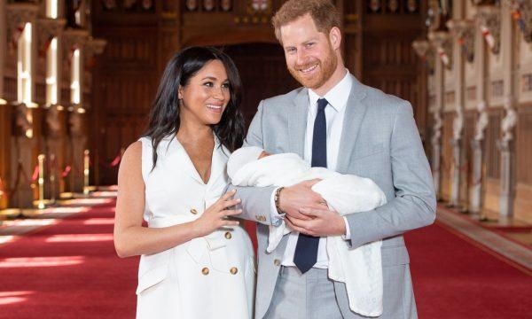 Site oficial da família real comete erro ao apresentar filho de Meghan Markle e príncipe Harry; confira!