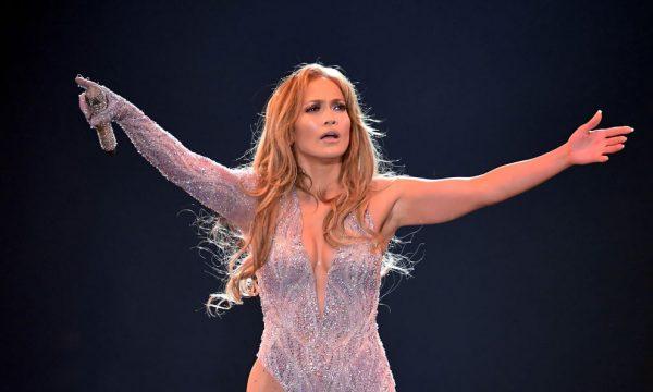 Jennifer Lopez diz que seus dois primeiros casamentos não contaram e explica: 'Falo que tentei'