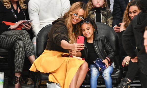 Uau! Blue Ivy arrasa na coreo com direito a espacate, ao som de música da mãe, Beyoncé, em recital de dança; assista