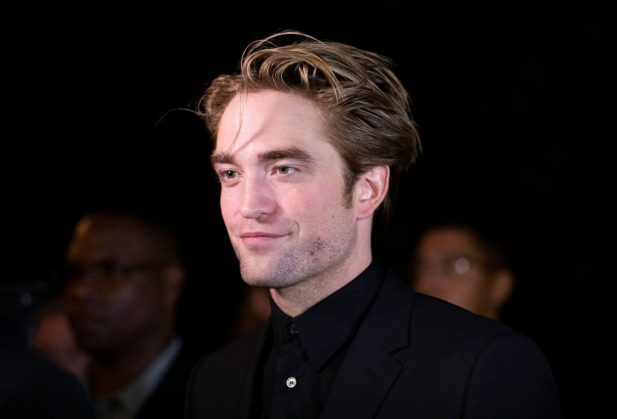 "Oi?! Robert Pattinson afirma ter cheiro bastante peculiar: ""Como se eu fosse embalsamado""; entenda!"