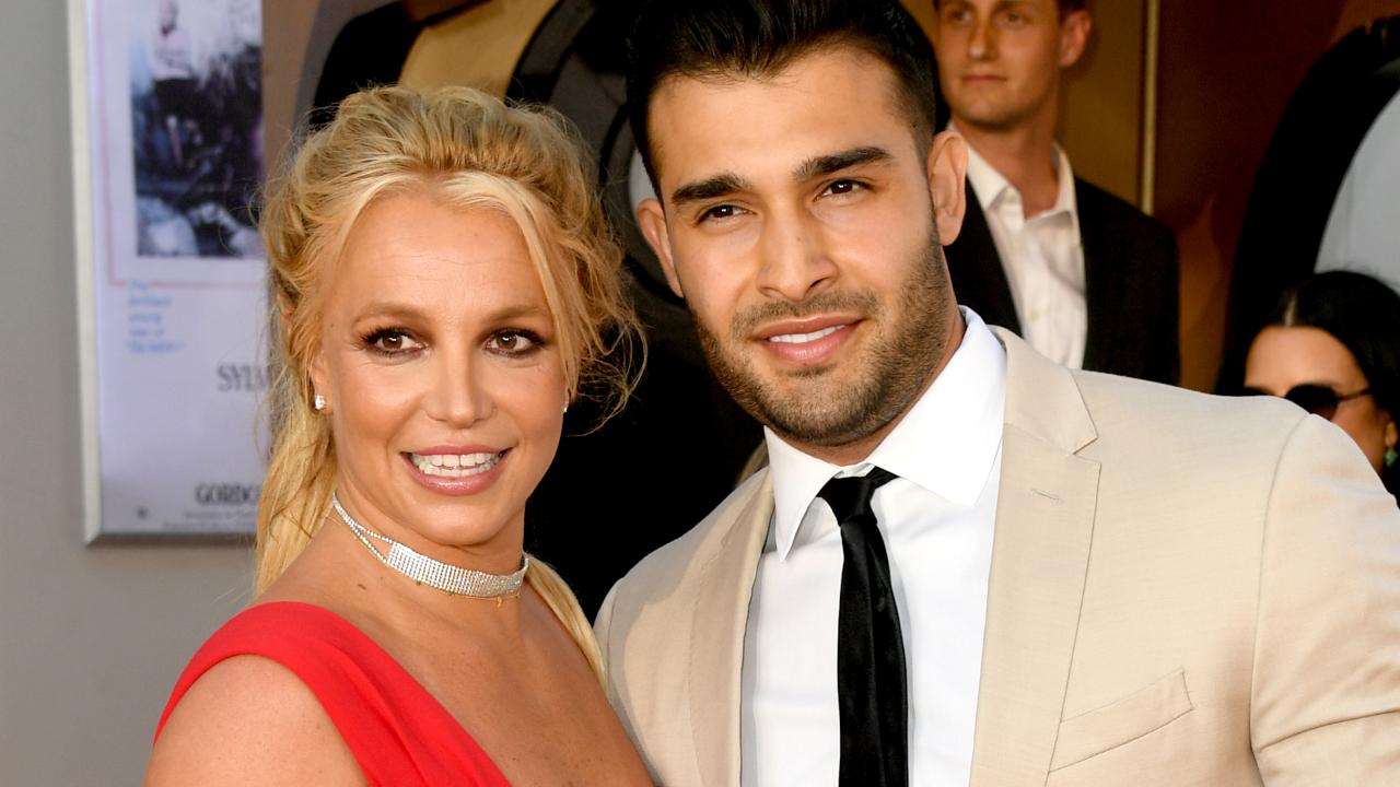 Sam Asghari, namorado de Britney Spears, desabafa e chama o pai da diva de 'completo idiota' nas redes; leia a íntegra | Hugo Gloss