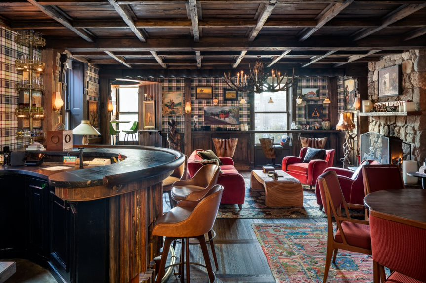 Fallon-bar-Evan-Joseph-for-Sotheby's-International-Realty-