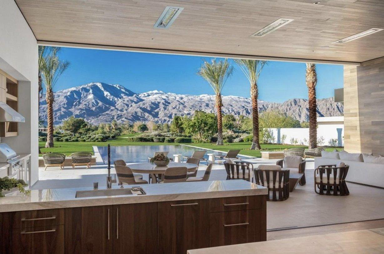 """Kourtney Kardashian compra mansão de R$60 milhões na Califórnia para ser seu """"ninho de amor"""". (Foto: Realtor)"""
