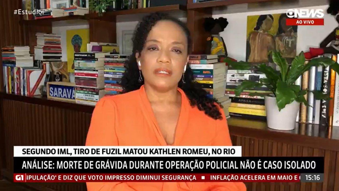 Flavia Oliveira Kathlen1