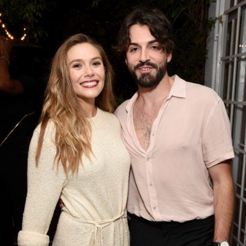 Elizabeth e Robbie moram juntos desde 2018 e ficaram noivos em julho de 2019. (Foto: Getty)